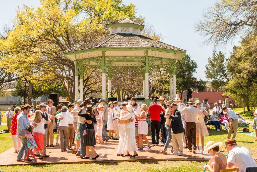 Jazz Age Sunday Social; gazebo; picnic in the park